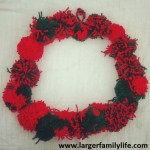 How to make a Pompom Christmas Wreath