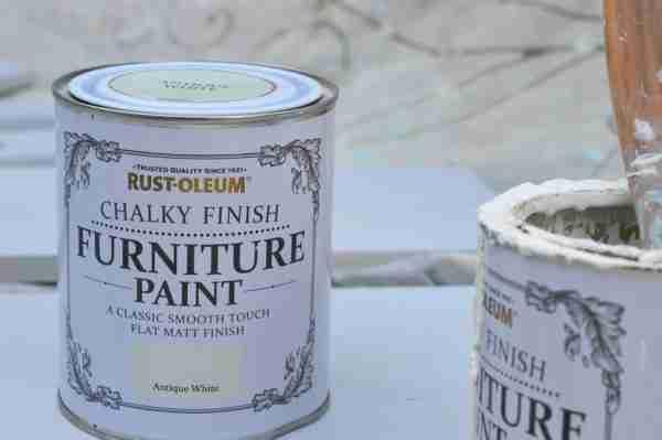 rustoleum antique white chalk paint close up