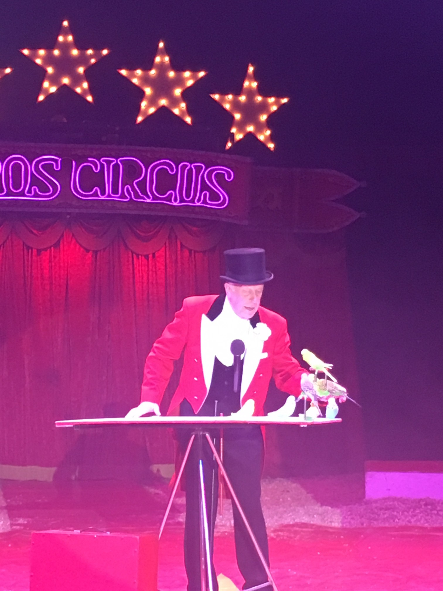 Zippos Circus - Ringmaster Norman Barrett and budgies