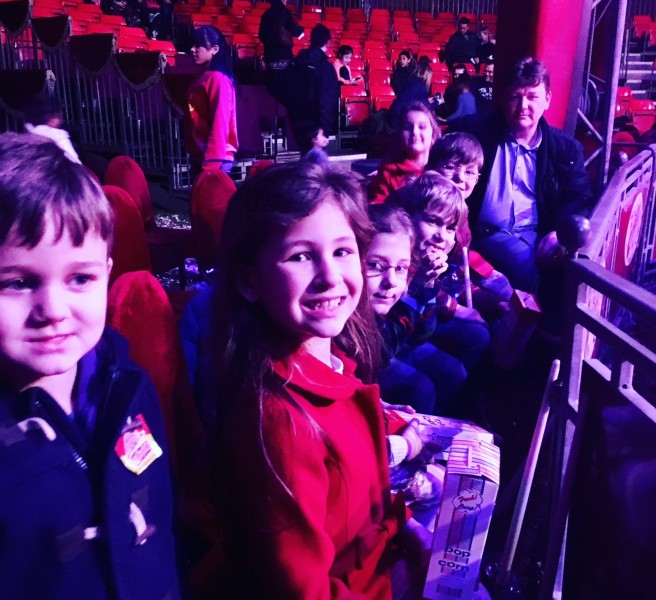 Zippos Circus - waiting for the show to begin